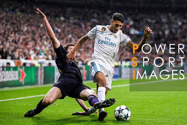 Achraf Hakimi of Real Madrid (R) fights for the ball with Jan Vertonghen of Tottenham Hotspur FC (L) during the UEFA Champions League 2017-18 match between Real Madrid and Tottenham Hotspur FC at Estadio Santiago Bernabeu on 17 October 2017 in Madrid, Spain. Photo by Diego Gonzalez / Power Sport Images