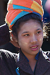 Myanmar, (Burma), Shan State, Inle Lake: Portrait of young Pa-O tribe girl | Myanmar (Birma), Shan Staat, Inle See: Portrait einer jungen Frau vom Pa-O Volksstamm