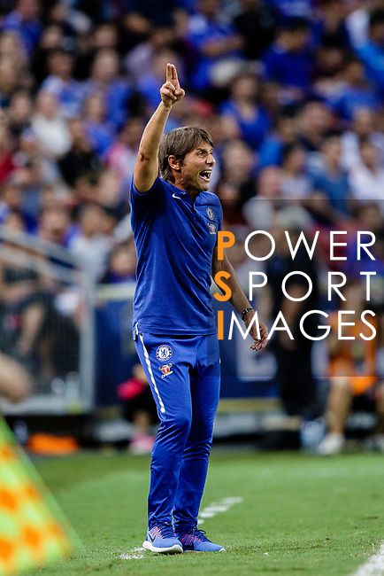 Chelsea Head Coach Antonio Conte gestures during the International Champions Cup 2017 match between FC Internazionale and Chelsea FC on July 29, 2017 in Singapore. Photo by Marcio Rodrigo Machado / Power Sport Images