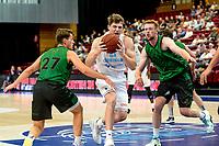 GRONINGEN - Basketbal, Donar - Groen Uilen, voorbereiding seizoen 2021-2022, 21-08-2021,  Donar speler Henry Caruso met Noah Tinga en Sjoerd Koopmans
