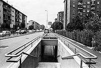 Milano, quartiere Quarto Oggiaro, periferia nord. Via Amoretti, sottopassaggio --- Milan, Quarto Oggiaro district, north periphery. Amoretti street, underpass