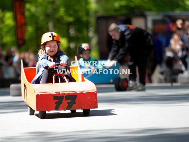 14-05-2015 - Apeldoorn - Foto Ruben Meijerink / APA<br /> In Apeldoorn wordt de landelijke zeepkisten race gehouden.