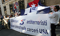 Sit-in davanti all'ambasciata degli Stati Uniti a Roma, 9 giugno 2008, promosso da associazioni filocubane in vista dell'imminente visita del presidente George W. Bush in Italia..Pro-Cuba activists attend a protest outside of the U.S. Embassy against President George W. Bush's upcoming visit to Italy, in Rome, 9 June 2008..UPDATE IMAGES PRESS/Riccardo De Luca