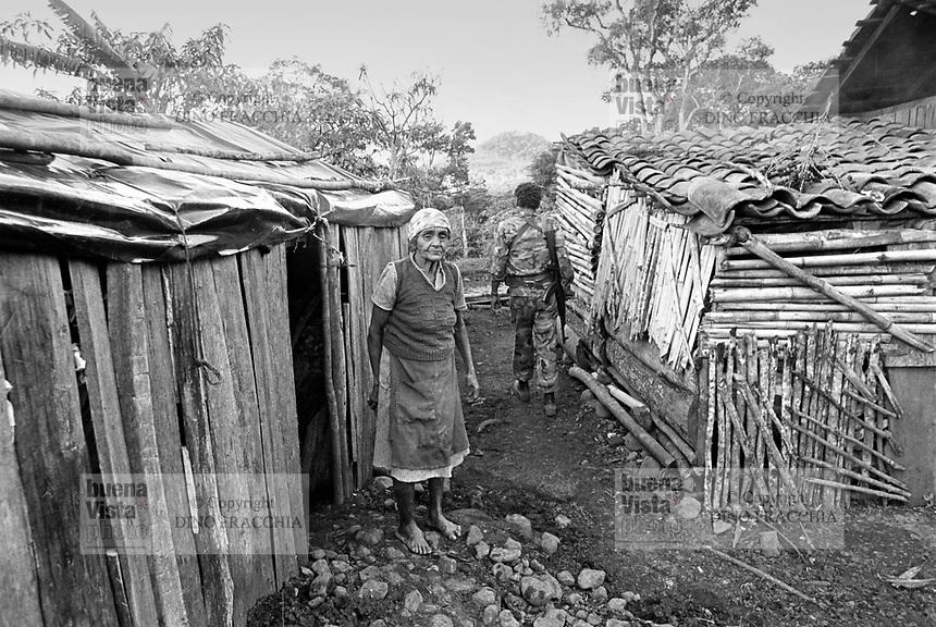 - Nicaragua, officer of Sandinista Army in a farm  north of Jinotega <br /> <br /> - Nicaragua, ufficiale dell'esercito Sandinista in una fattoria a nord di Jinotega