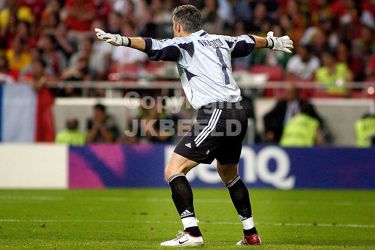 Portugal - Griekenland  0-1 finale Europees kampioenschap 2004 Portugal seizoen 2003-2004 04-07-2004 Griekenland Europees kampioen doelman Nikopolidis