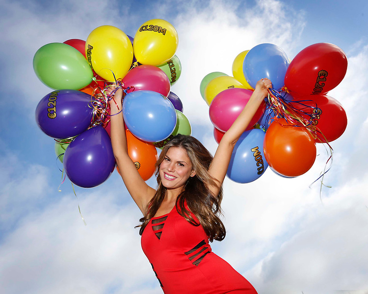No Repro Fee..EuroMillions goes Sky High!.Ravishing Roz Lipsett hopes the sky will be the limit for a player in Ireland in the EuroMillions..Pic: Robbie Reynolds/Corporate PR Photography..