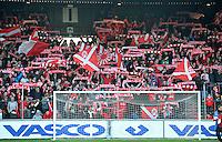 KV Kortrijk - AA Gent : de supporters zien het nog zitten voor de wedstrijd.foto VDB / BART VANDENBROUCKE