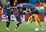 Atletico de Madrid's Juanfran Torres (l) and Saul Niguez (c) and FC Barcelona's Neymar Santos Jr during Champions League 2015/2016 Quarter-Finals 2nd leg match. April 13,2016. (ALTERPHOTOS/Acero)