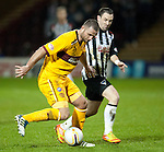 PICTURE BY - ROB CASEY .DESCRIPTION - MOTHERWELL v DUNFERMLINE.PIC SHOWS - MICHAEL HIGDON IN ACTION