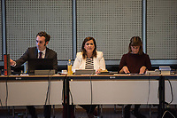 """4. Sitzung des 2. Untersuchungsausschusses <br /> der 18. Wahlperiode des Berliner Abgeordnetenhaus - """"BER II"""" - am Freitag den 12. Oktober 2018.<br /> Der Ausschuss soll die Ursachen, Konsequenzen und Verantwortung fuer die Kosten- und Terminueberschreitungen des im Bau befindlichen Flughafens """"Berlin Brandenburg Willy Brandt"""" aufklaeren.<br /> Als oeffentlicher Tagesordnungspunkt war die Beweiserhebung durch Vernehmung des Zeugen  BER-Chef Prof. Dr.-Ing. Engelbert Luetke Daldrup vorgesehen.<br /> Im Bild: Die Ausschussvorsitzende Melanie Kuehnemann-Grunow, SPD.<br /> 12.10.2018, Berlin<br /> Copyright: Christian-Ditsch.de<br /> [Inhaltsveraendernde Manipulation des Fotos nur nach ausdruecklicher Genehmigung des Fotografen. Vereinbarungen ueber Abtretung von Persoenlichkeitsrechten/Model Release der abgebildeten Person/Personen liegen nicht vor. NO MODEL RELEASE! Nur fuer Redaktionelle Zwecke. Don't publish without copyright Christian-Ditsch.de, Veroeffentlichung nur mit Fotografennennung, sowie gegen Honorar, MwSt. und Beleg. Konto: I N G - D i B a, IBAN DE58500105175400192269, BIC INGDDEFFXXX, Kontakt: post@christian-ditsch.de<br /> Bei der Bearbeitung der Dateiinformationen darf die Urheberkennzeichnung in den EXIF- und  IPTC-Daten nicht entfernt werden, diese sind in digitalen Medien nach §95c UrhG rechtlich geschuetzt. Der Urhebervermerk wird gemaess §13 UrhG verlangt.]"""