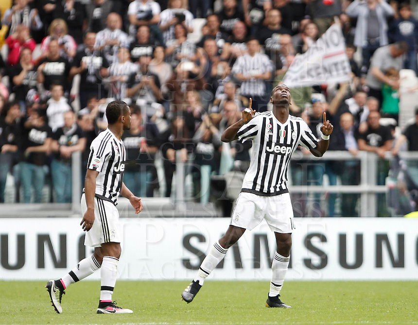 Calcio, Serie A: Juventus vs Palermo. Torino, Juventus Stadium, 17 aprile 2016.<br /> Juventus' Paul Pogba, right, celebrates with teammate Patrice Evra after scoring during the Italian Serie A football match between Juventus and Palermo at Turin's Juventus Stadium, 17 April 2016.<br /> UPDATE IMAGES PRESS/Isabella Bonotto