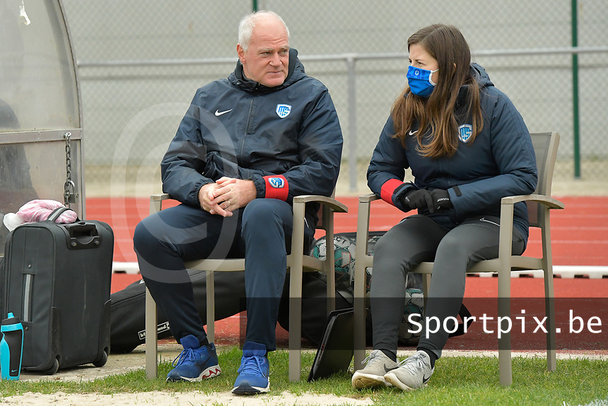 Genk's head coach Guido Brepoels (L)  pictured during a female soccer game between SV Zulte - Waregem and KRC Genk on the 8 th matchday of the 2020 - 2021 season of Belgian Scooore Women s SuperLeague , saturday 21 th of November 2020  in Zulte , Belgium . PHOTO SPORTPIX.BE | SPP | DIRK VUYLSTEKE