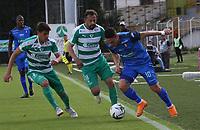 BOGOTÁ - COLOMBIA, 13-10-2019:Matias Mier  (Izq.) jugador de La Equidad  disputa el balón con Javier Reina (Der.) jugador del Once Caldas durante partido por la fecha 17 de la Liga Águila II 2019 jugado en el estadio Metropolitano de Techo de la ciudad de Bogotá. /Matias Mier (L) player of La Equidad fights the ball  against of EJavier Reina (R) player of Once Caldas during the match for the date 17th of the Liga Aguila II 2019 played at the Metropolitano de Techo  stadium in Bogota city. Photo: VizzorImage / Felipe Caicedo / Staff.