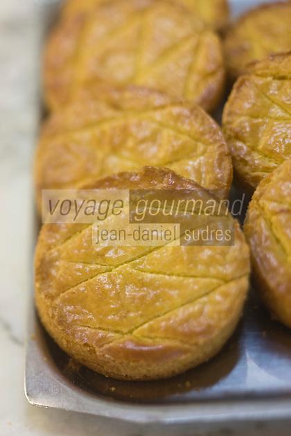 Europe/France/Bretagne/29/Finistère/Saint-Pol-de-Léon: Gâteau breton chez le boulanger Prigent