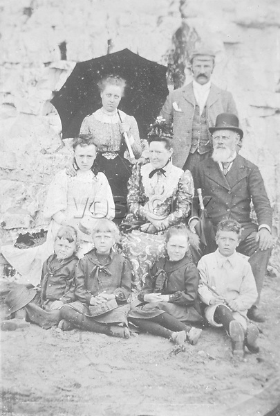 Three generations (and nurse) at the seaside Britain / unattributed photograph / ca 1900