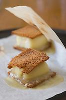 """Europe/France/Bourgogne/89/Yonne/Auxerre: Croque-monsieur bourguignon au pain d'épice et au fromage de l'Abbaye de la Pierre qui Vire - recette de Jean Luc Barnabet du restaurant """"Jean-Luc Barnabet"""""""