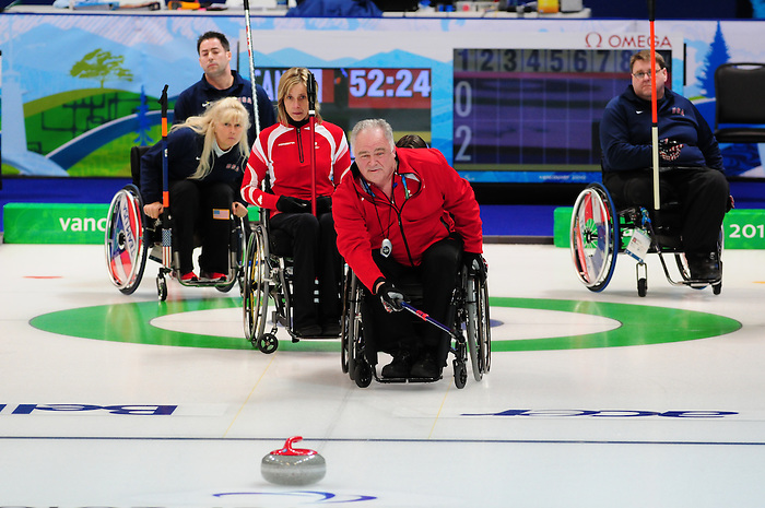 Jim Armstrong, Vancouver 2010 - Wheelchair Curling // Curling en fauteuil roulant.<br /> Team Canada competes in Wheelchair Curling // Équipe Canada participe en curling en fauteuil roulant. 13/03/2010.