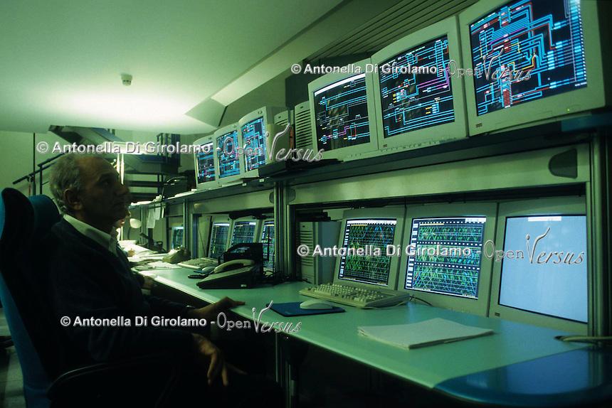 Stazione Termini a Roma. ACS L'Apparato Centrale Statico  è il centro di controllo della stazione, completamente di natura elettronica e computerizzata..Termini,central station in Rome. CSA.The central static apparatus is the control center of the station, completely electronics and computerized.....