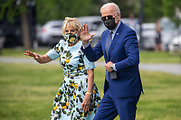 US President Joe Biden and First Lady Jill Biden walk to board Marine One on the Ellipse of the White House in Washington, DC, USA, 29 April 2021. President Biden is traveling to Georgia today for an event to mark his 100th day in office and to pay a visit to former US President Jimmy Carter.<br /> CAP/MPI/RS<br /> ©RS/MPI/Capital Pictures