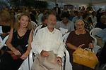 ALBERTO RONCHEY CON LA MOGLIE VITTORIA E LA FIGLIA SILVIA<br /> PREMIO LETTERARIO CAPALBIO 2004