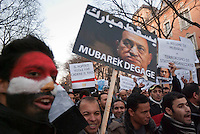 Milano, manifestazione a sostegno della rivolta in Egitto contro il regime di Mubarack --- Milan, demonstration in support of the revolt in Egypt against the regime of Mubarack