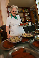 Europe/France/Provence-Alpes-Côte d'Azur/13/Bouches-du-Rhône/Marseille: Mme Rose, Restaurant Chez Vincent, 25, rue Glandevès [Non destiné à un usage publicitaire - Not intended for an advertising use]