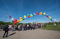 """Kundgebung zum Internationaler Tag gegen Homo- und Transphobie vor dem Reichstag.<br /> Zahlreiche LSBTI-Organisationen aus Deutschland versammelten sich am 17. Mai 2017, zum Internationalen Tag gegen Homo- und Transphobie (IDAHOT) vor dem Berliner Reichstag zu der Aktion """"Vielfalt unterm Regenbogen - Gleiche Rechte fuer Alle!""""<br /> Die Organisatoren benannten auf der Kundgebung viele Beispiele von Angriffen auf die Rechte und die Freiheit von Lesben, Schwulen, Bi- und Transsexuellen sowie Menschen die sich als intersexuell begreifen.<br /> Zahlreiche LSBTI-Organisationen aus Deutschland, darunter die Deutsche Aidshilfe, der Lesben- und Schwulenverband in Deutschland (LSVD), das Aktionsbuendnis gegen Homophobie e.V., die Berliner Aids-Hilfe e.V. und Gruppen der SPD, der Gruenen und die Linkspartei veroeffentlichen darum am Internationalen Tag gegen Homo- und Transphobie (IDAHOT) unter dem Motto """"Vielfalt fuer Alle!"""" einen gemeinsamen Appell fuer eine offene, respektvolle Gesellschaft, die allen Menschen Schutz und Unterstuetzung bietet.<br /> 17.5.2017, Berlin<br /> Copyright: Christian-Ditsch.de<br /> [Inhaltsveraendernde Manipulation des Fotos nur nach ausdruecklicher Genehmigung des Fotografen. Vereinbarungen ueber Abtretung von Persoenlichkeitsrechten/Model Release der abgebildeten Person/Personen liegen nicht vor. NO MODEL RELEASE! Nur fuer Redaktionelle Zwecke. Don't publish without copyright Christian-Ditsch.de, Veroeffentlichung nur mit Fotografennennung, sowie gegen Honorar, MwSt. und Beleg. Konto: I N G - D i B a, IBAN DE58500105175400192269, BIC INGDDEFFXXX, Kontakt: post@christian-ditsch.de<br /> Bei der Bearbeitung der Dateiinformationen darf die Urheberkennzeichnung in den EXIF- und  IPTC-Daten nicht entfernt werden, diese sind in digitalen Medien nach §95c UrhG rechtlich geschuetzt. Der Urhebervermerk wird gemaess §13 UrhG verlangt.]"""