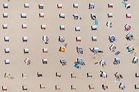 Strandkorb, Strand, Ostsee, Timmendorf, Meer, Lübecker Bucht, Ferien, bunt, Muster, Symmetrisch