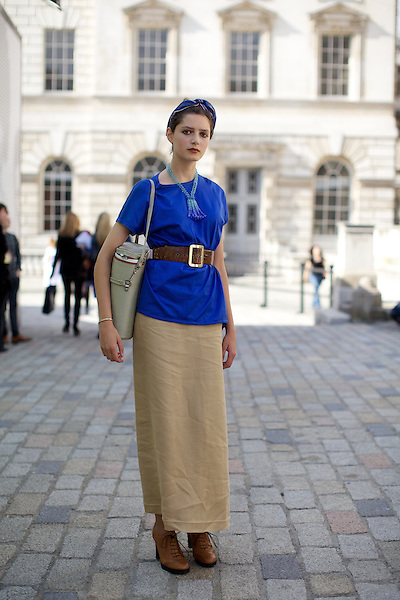 Roz Jana from 'Clothes, Cameras, & Coffee' blog