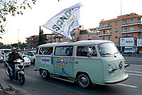 Sardine in tour nella periferia di Roma