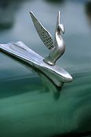 Cuba/La Havane: Détail vieilles voitures américaines sur le Malecon - Insigne