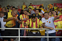 PEREIRA - COLOMBIA, 22-11-2019: Hinchas de Pereira animan a su equipo durante partido de ida por la final del Torneo Águila 2019 II entre Deportivo Pereira y Boyacá Chicó jugado en el estadio Hernán Ramírez Villegas de la ciudad de Pereira. / Fans of Deportivo Pereira cheer for their team during second leg final match for the Aguila Tournament 2019 II between Deportivo Pereira and Boyaca Chico played at the Hernan Ramirez Villegas stadium in Pereira city.  Photo: VizzorImage/ Mauricio Ortiz / Cont