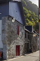 Europe, France, Aquitaine, Pyrénées-Atlantiques, Béarn, Vallée d'Aspe, Etsaut,  La Maison de l'Ours // Europe, France, Aquitaine, Pyrenees Atlantiques, Bearn, Aspe valley, Etsaut,   Maison de l'Ours