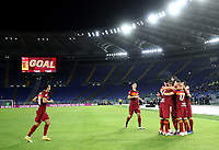 Football, Serie A: AS Roma - Juventus, Olympic stadium, Rome, September 27, 2020. <br /> Roma's Jordan Veretout (r) celebrates after scoring his second goal in the match with his teammates during the Italian Serie A football match between Roma and Juventus at Olympic stadium in Rome, on September 27, 2020. <br /> UPDATE IMAGES PRESS/Isabella Bonotto
