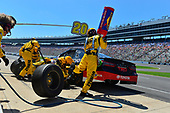 2017 Monster Energy NASCAR Cup Series<br /> O'Reilly Auto Parts 500<br /> Texas Motor Speedway, Fort Worth, TX USA<br /> Sunday 9 April 2017<br /> Matt Kenseth Toyota Let's Go Places Toyota Camry makes a pit stop, Sunoco <br /> World Copyright: Logan Whitton/LAT Images<br /> ref: Digital Image 17TEX1LW3144