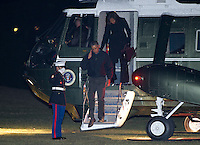 AbUSAAbaca_Obamas_Return_From_Overseas_Washington_0949