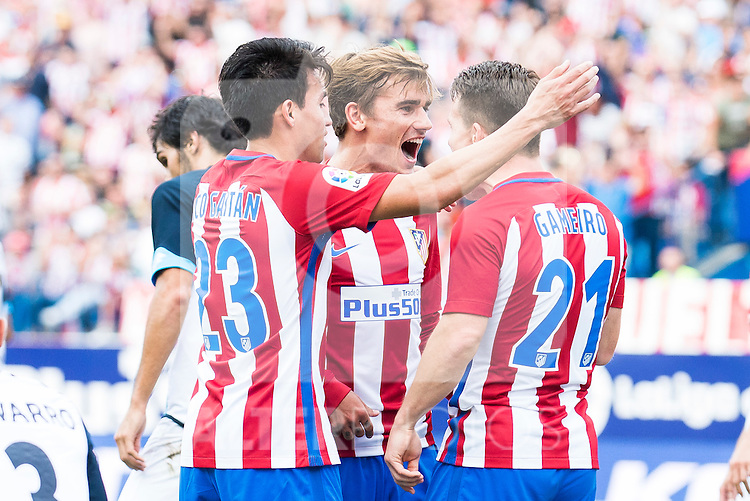 Atletico de Madrid's players Nico Gaitán, Antoine Griezmann and Kevin Gameiro during a match of La Liga Santander at Vicente Calderon Stadium in Madrid. September 25, Spain. 2016. (ALTERPHOTOS/BorjaB.Hojas)