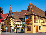 France, Alsace, Haut-Rhin, Éguisheim: Wine-Grower's Estate with tasting room | Frankreich, Elsass, Haut-Rhin, Éguisheim: Weingut mit Probierstube