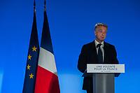 MEETING DE FRANCOIS FILLON A LYON, FRANCE, 12/04/2017. HERVE GAYMARD A LA TRIBUNE