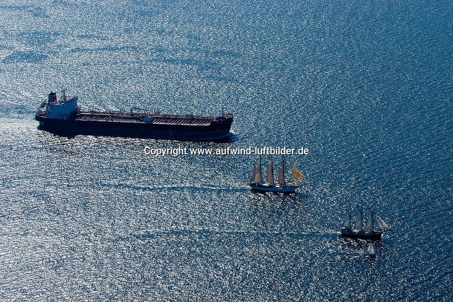 4415/Schifffahrt:EUROPA, DEUTSCHLAND, SCHLESWIG- HOLSTEIN 20.06.2005: Frachter, Bulk, Erz, Dreimaster, Segelschiff, Geschichtliche Abfolge der Berufsschifffahrt