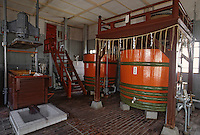 Asie/Japon/Tokyo: Chateau Kikkoman - Fabrication de la sauce soja - Détail des cuves de fermentation