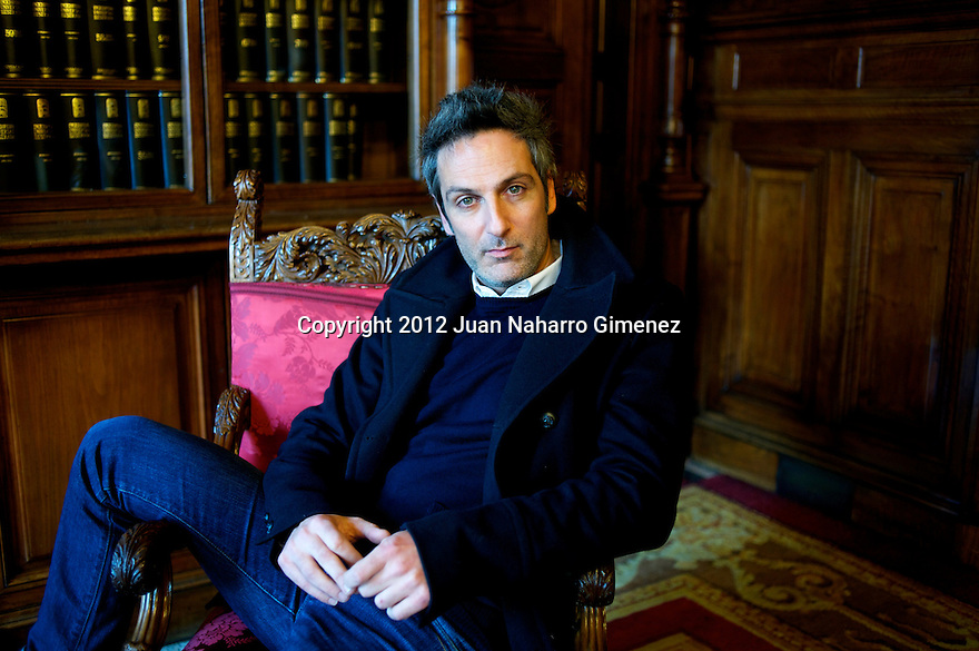 MADRID, MADRID - DECEMBER 17:  Ernesto Alterio poses during a portrait sesion at Casa America on December 17, 2012 in Madrid, Spain.  (Photo by Juan Naharro Gimenez)