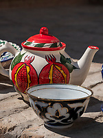 Verkauf von Tegeschirr, Xiva, Usbekistan, Asien<br />