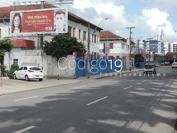 Recife (PE), 31/03/2021 - Último dia da quarentena nesta quarta-feira (31) em todo estado de Pernambuco. Comercio no centro do Recife, ruas e avenidas com pouca movimentação.