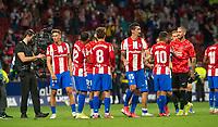 2nd October 2021; Estadio Wanda Metropolitano, Madrid, Spain; La Liga Football, Atletico de Madrid versus Futbol Club Barcelona; Atletico players applaud the fans after the victory