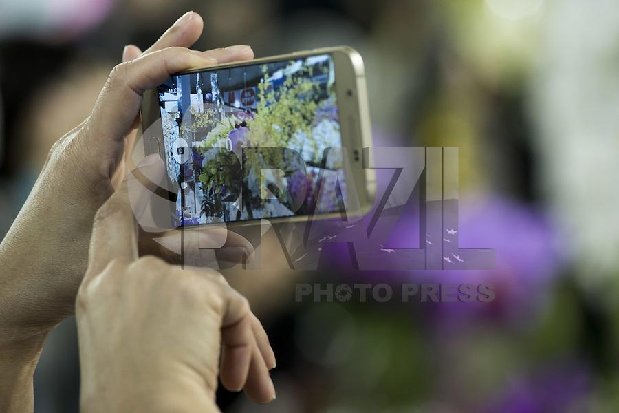 TÓQUIO, JAPÃO, 13.02.2016 - FESTIVAL-ORQUÍDEAS - <br /> Movimentação durante o Festival Internacional de Orquídea em Tóquio capital do Japão neste sábado, 13. É uma exposição de orquídea e participaram cerca de 20 países a cada ano no Tokyo Dome. (Foto: Alessandro Di Ciommo/Brazil Photo Press)