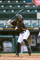 Bradenton Marauders Jasiah Dixon (32) bats during a game against the Fort Myers Mighty Mussels on May 6, 2021 at LECOM Park in Bradenton, Florida.  (Mike Janes/Four Seam Images)