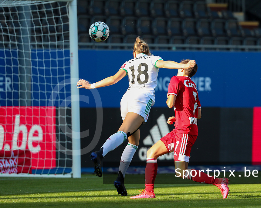 Charlotte Cranshoff (18) of OHL has an attempt on goal during a female soccer game between Oud Heverlee Leuven and Standard Femina de Liege on the third matchday of the 2021 - 2022 season of Belgian Womens Super League , Sunday 5 th of September 2021  in Leuven , Belgium . PHOTO SPORTPIX.BE | SEVIL OKTEM