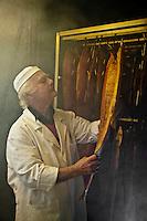 Europe/France/Aquitaine/40/Landes/Peyrehorade: Jacques Barthouil: La Maison du Saumon- Fumage des saumons sauvages des Gaves et de l'Adour //   France, Landes, Peyrehorade Jacques Barthouil, home of the Salmon smoking wild salmon Gaves and Adour   [Non destiné à un usage publicitaire - Not intended for an advertising use]
