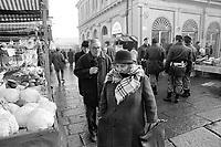- Torino, Porta Palazzo market (january 1994)<br /> <br /> - Torino, mercato di Porta Palazzo (gennaio 1994)